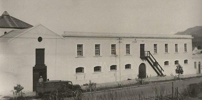 Barry & Nephews Montagu Brandy Distillery that was followed by the establishment of the Robertson Distillery