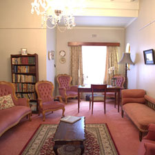 Barry House sitting room photo by J Heddon
